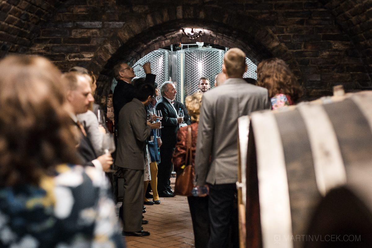 Vinařství u Kapličky v Zaječí - degustace vína ve sklepě